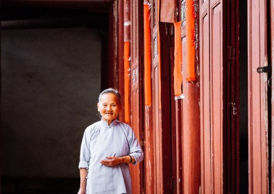 An elegant grandma in temple-1